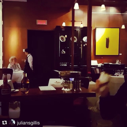 Quand ta famille vient t'encourager et que tu leur montres tes skills de 🔥. Good job Julian! 😊❤️ #Repost @juliansgillis ・・・ Thanks to my family for coming to dinner service tonight and supporting me. #crepesuzette #passionithq #sommelier #family #flambé #pelvenstyle #cachauffe #skills #restoithq #oldschoolcool #makingmomproud #adorable